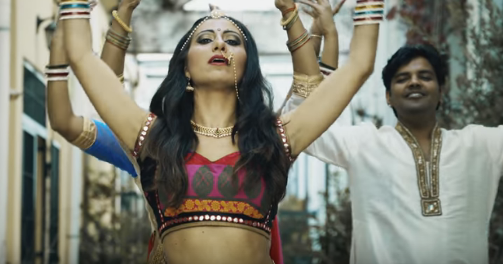 Italy goes Bollywood: Learn Italian with Katy Desario in VIRTUALMENTE